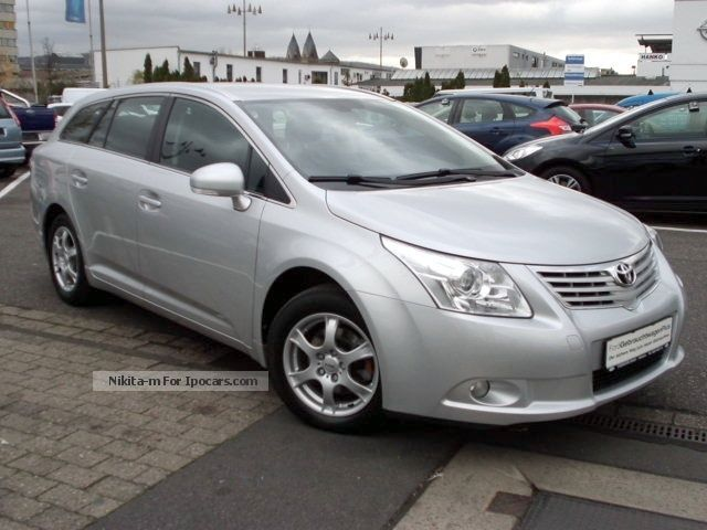 2012 toyota avensis 2 0 d 4d sol car photo and specs. Black Bedroom Furniture Sets. Home Design Ideas