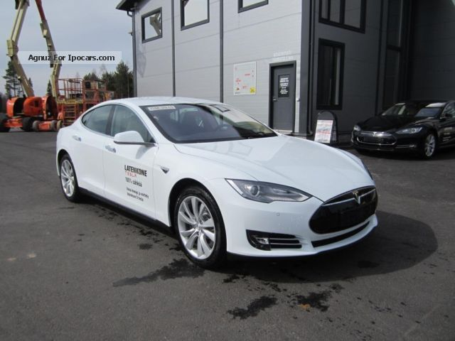 2014 Tesla  Model S Saloon Used vehicle photo