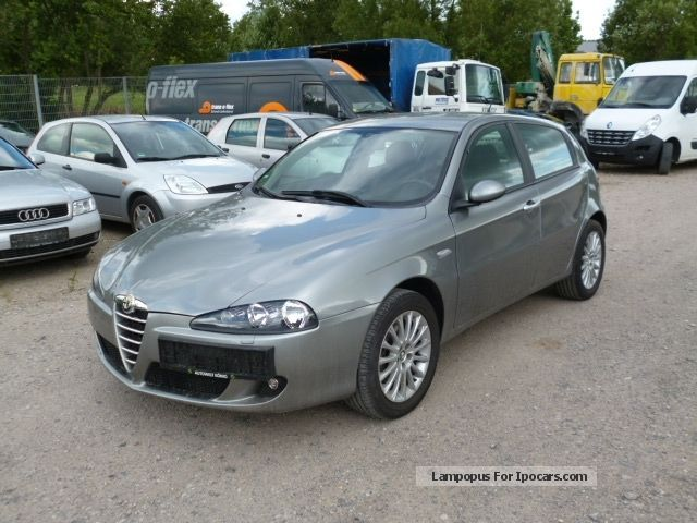2005 Alfa Romeo  147 1.6 * Original 54,000 km ** Good Condition * Saloon Used vehicle photo