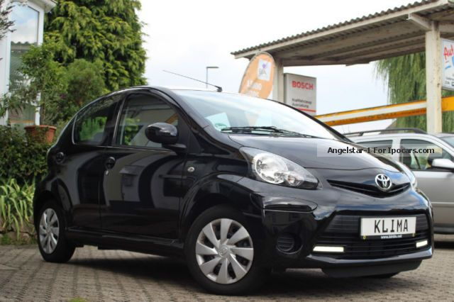 2013 toyota aygo cool edition air 4 door as new car photo and specs. Black Bedroom Furniture Sets. Home Design Ideas
