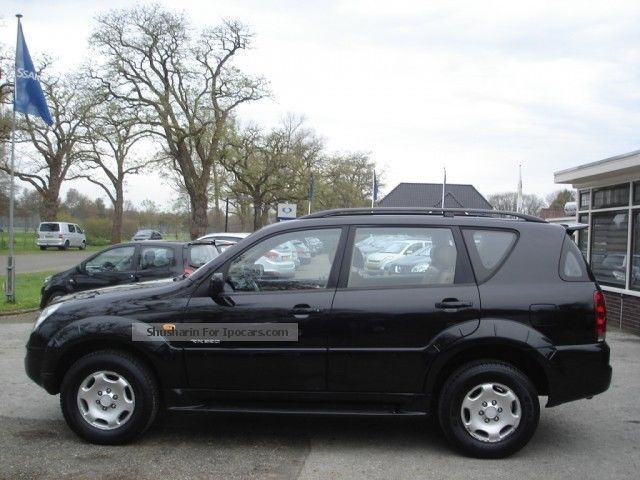 2002 ssangyong rexton rx 320 s automaat car photo and specs. Black Bedroom Furniture Sets. Home Design Ideas