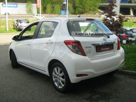 2013 toyota 90 d 4d dynamic 5p yaris lca car photo and specs. Black Bedroom Furniture Sets. Home Design Ideas