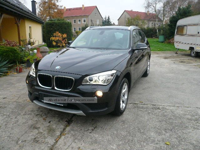 2013 BMW  X1 xDrive20d xLine + Xenon SHZ + + + Prof WIRÄ Extra Saloon Used vehicle( Accident-free) photo