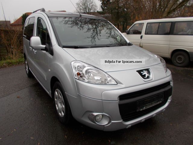 2011 Peugeot  Partner Tepee Family 1.Hand Air Maintenance Guide Van / Minibus Used vehicle photo