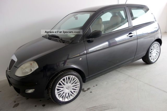 2004 Lancia  1.3 16v Multijet Platino leather Y / 16-inch / Euro-4 Small Car Used vehicle photo