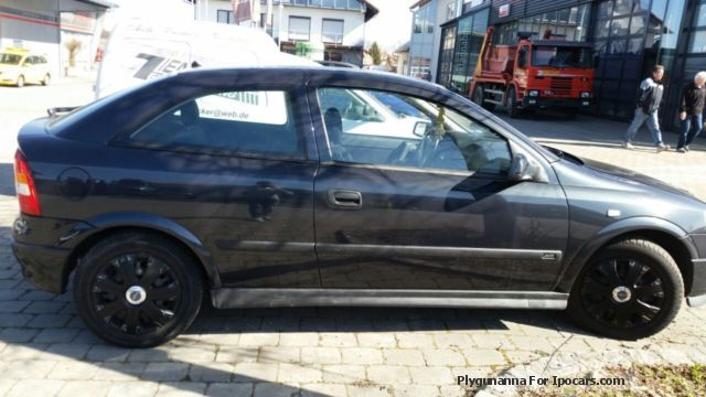 1998 Opel  Sportive Astra 2.0 Saloon Used vehicle( Accident-free) photo