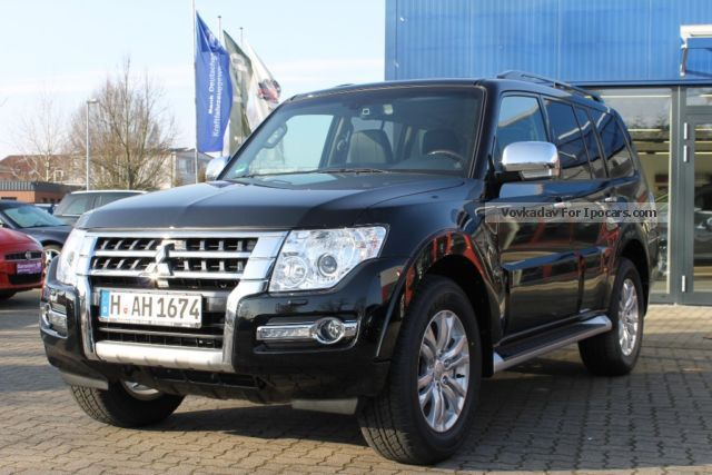 2015 Mitsubishi  Pajero 5dr DI-D Top Automatic 7 seater Off-road Vehicle/Pickup Truck Employee's Car photo