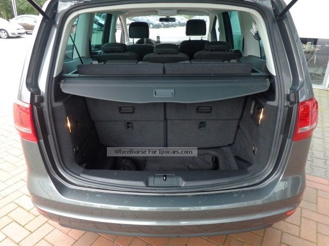 volkswagen sharan tdi dsg navi xenon  seater  doors car photo  specs