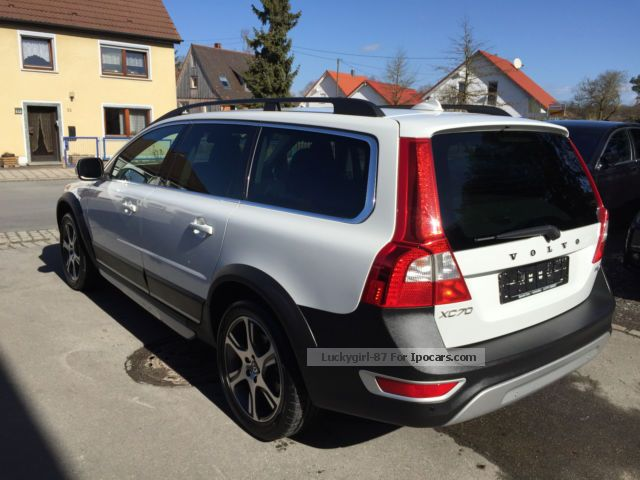 2012 volvo xc 70 summum cross country car photo and specs. Black Bedroom Furniture Sets. Home Design Ideas