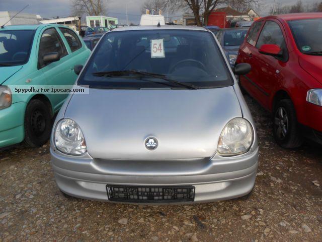 2004 Aixam  City Small Car Used vehicle photo