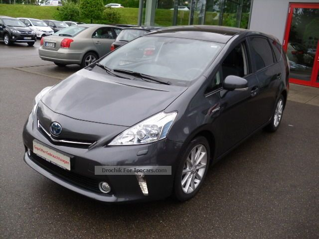 2013 Toyota  Prius + (Hybrid) TEC-Edition / Leather / Sitzheiz. Van / Minibus Used vehicle photo