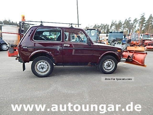 2006 Lada  1.7 Winterdienst 4x4 plate spreader Off-road Vehicle/Pickup Truck Used vehicle photo